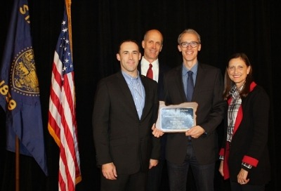 Hydro Flask Given Oregon Bankers Association Award for service in the community