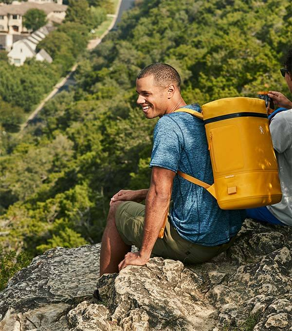 Comfortably carry your mid-day fuel on the trail with the Hydro Flask Soft Cooler Pack.